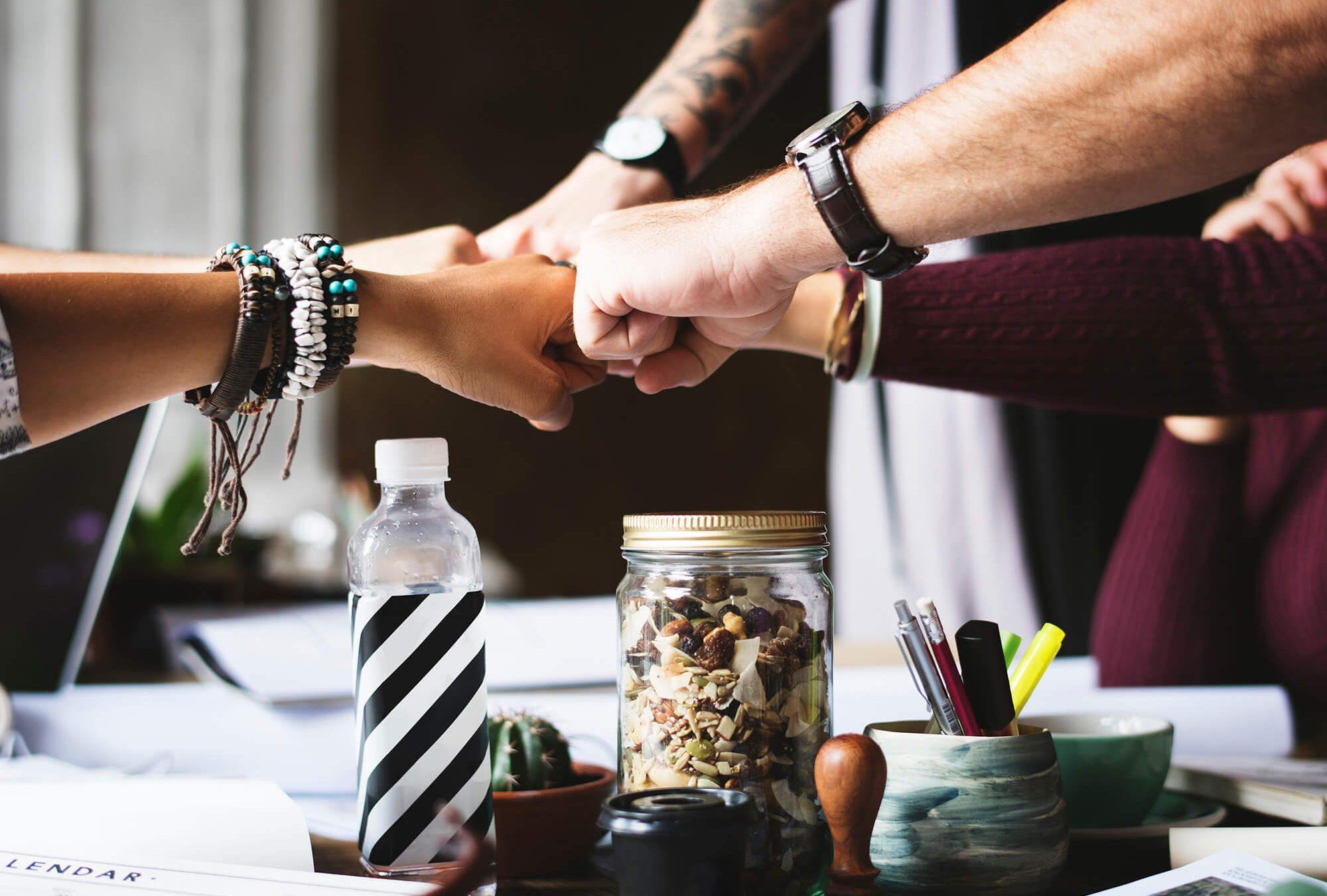 Freelance : faut-il travailler seul ou en équipe ?