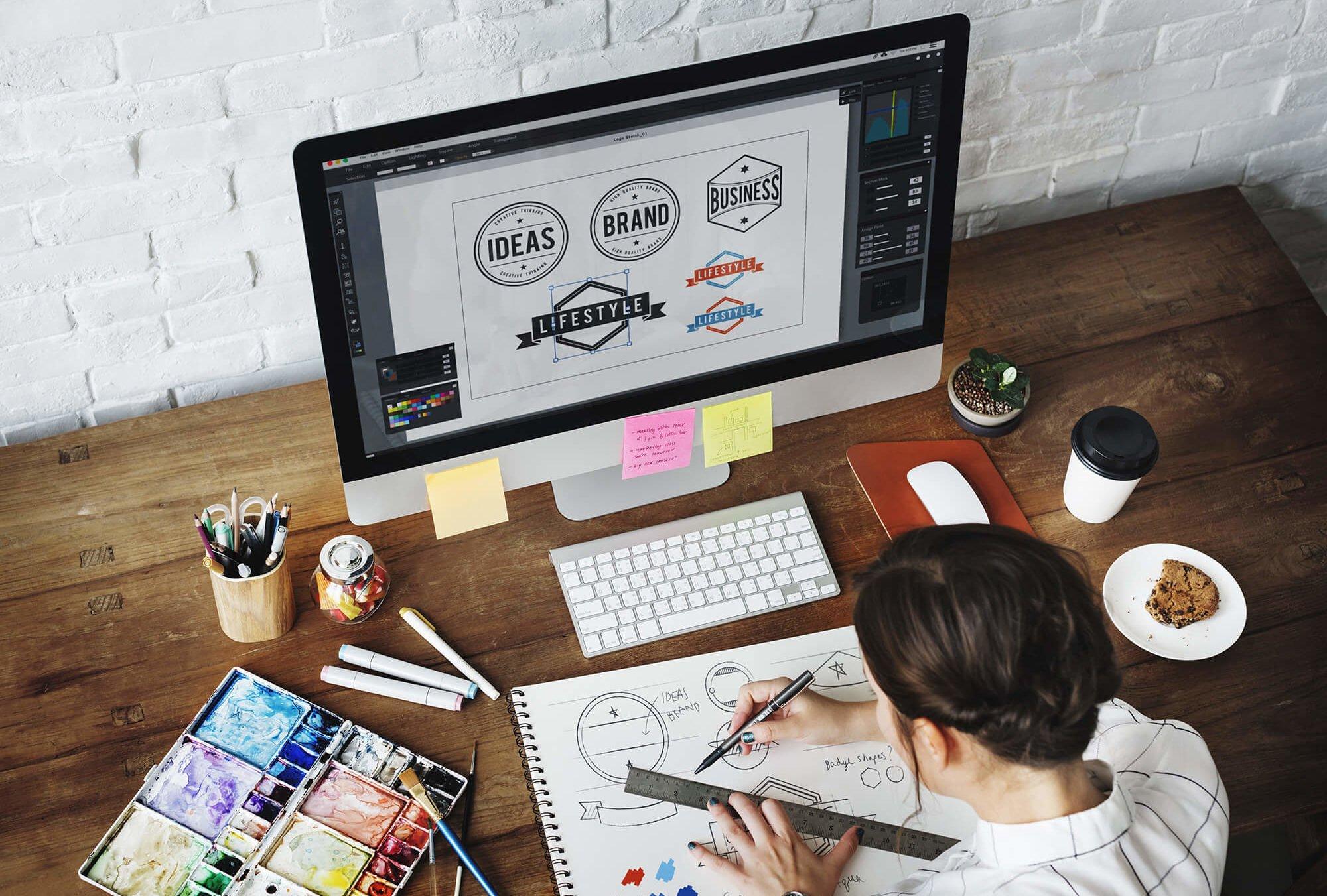 Freelance création identité visuelle logo